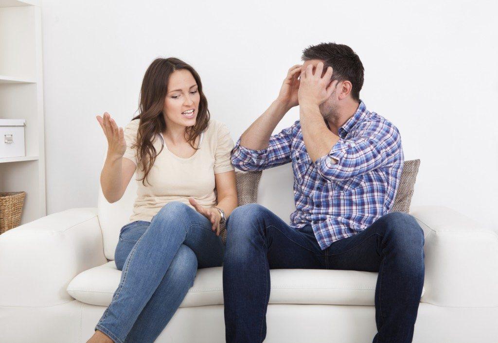 Representar una discusión de pareja